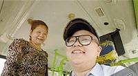 女公交司机拒乘客中途下车 头上被泼胶水